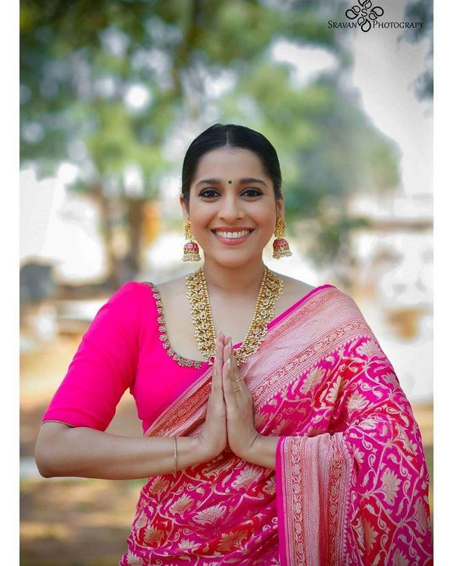 Rashmi Gautam Traditional Looks