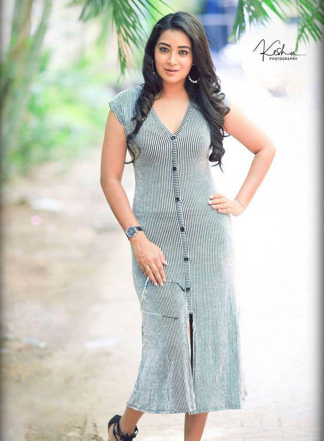 Bhanu Shree Beautiful photoshoot