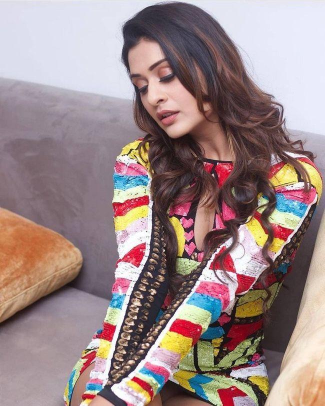 Payal Rajput Alluring Looks