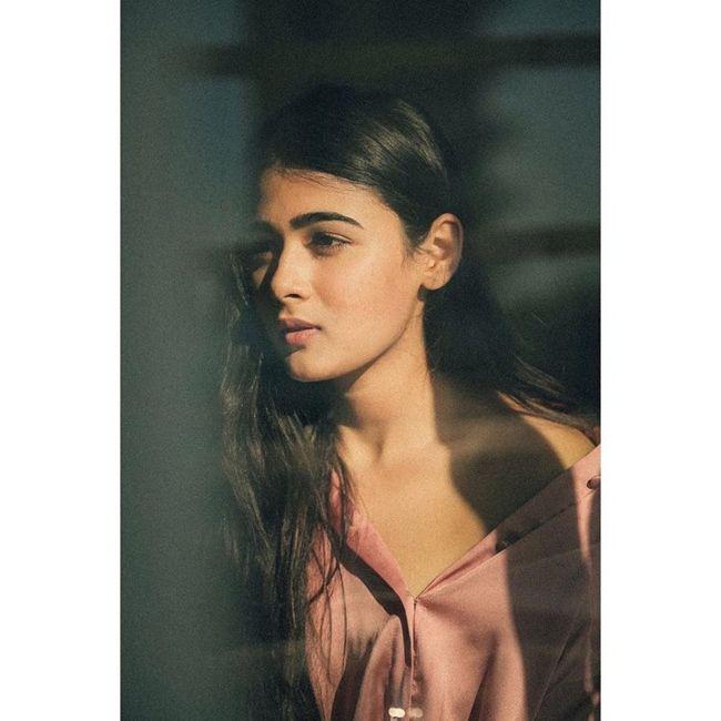 Shalini Pandey Stunning Clicks