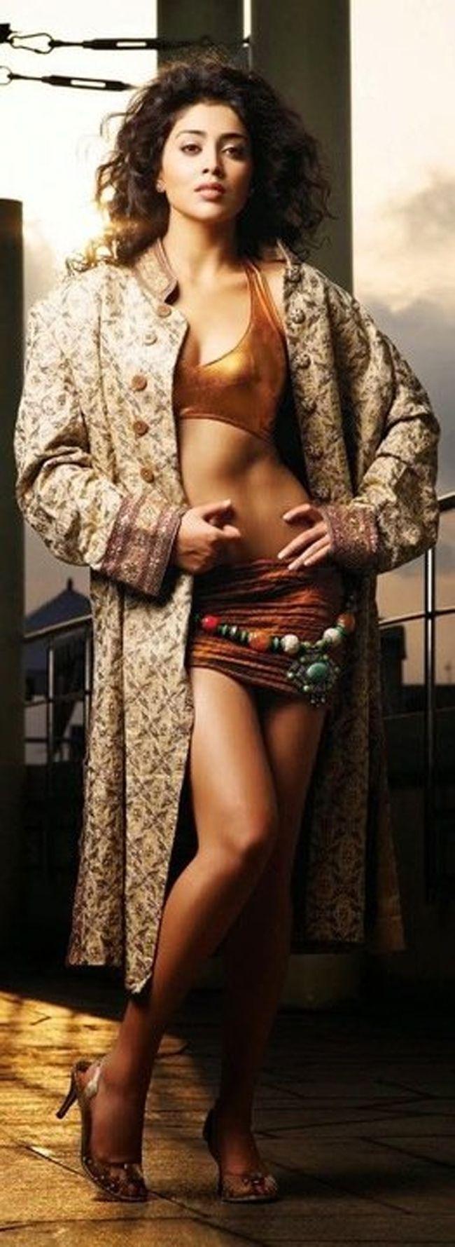 Shriya Saran Ultra Glamorous Poses