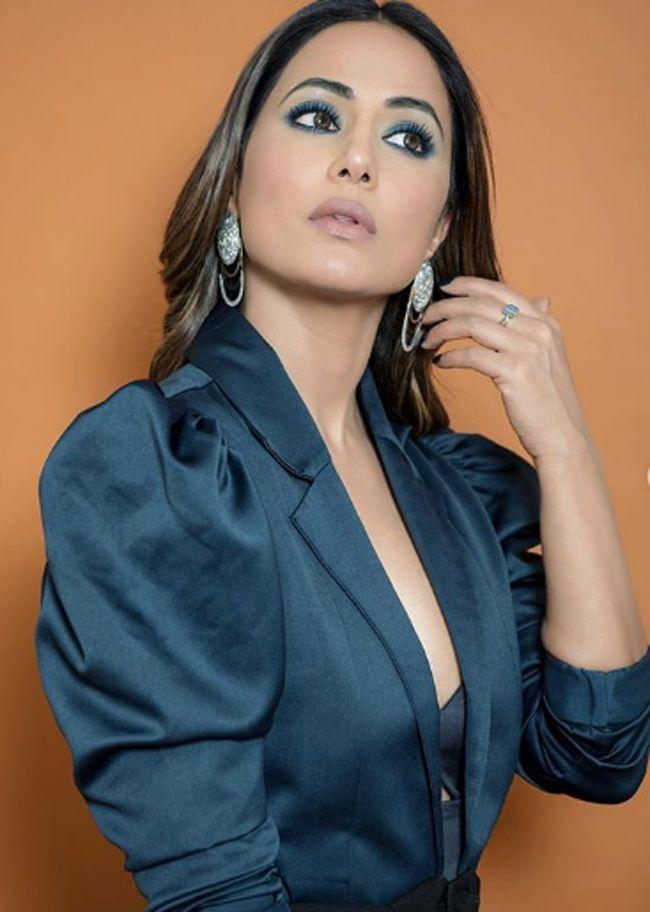 Hina Khan Wearing Gym Clothes