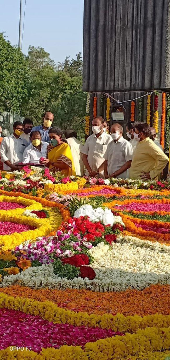 Balakrishna Pays Tribute To NTR