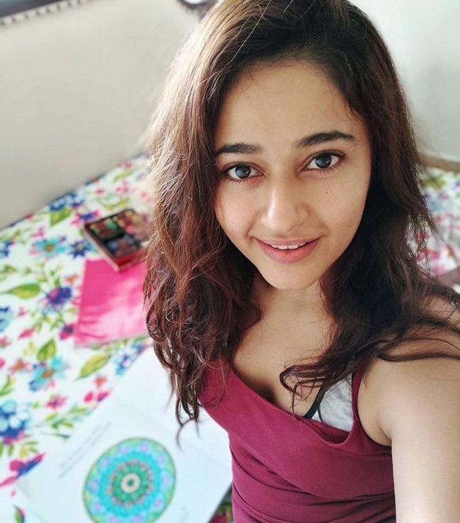 Poonam Bajwa Glam Looks