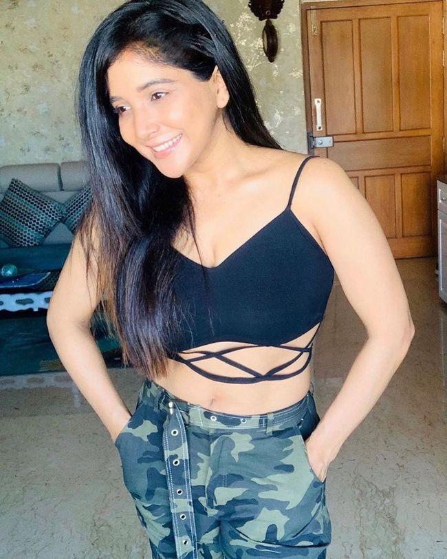 Sakshi Agarwal Adorable Clicks