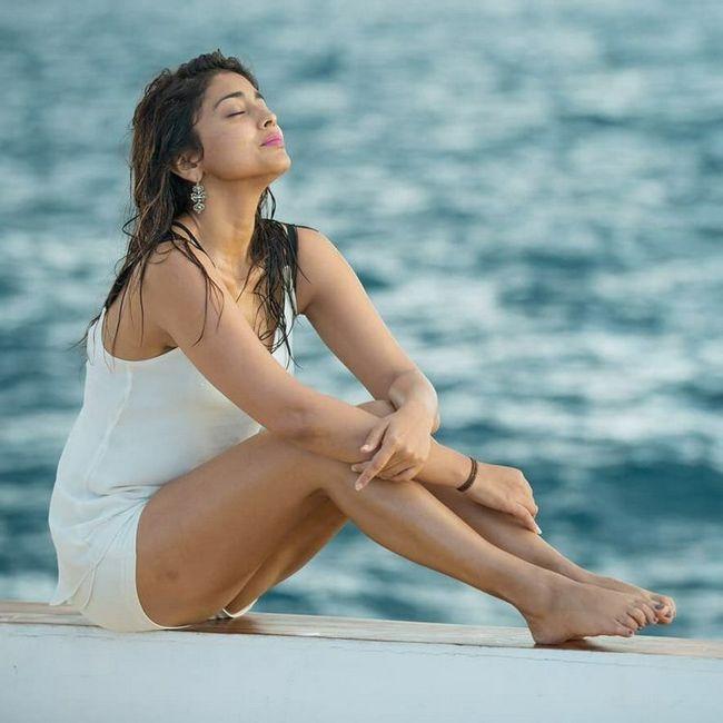 Shriya Saran Awesome Clicks