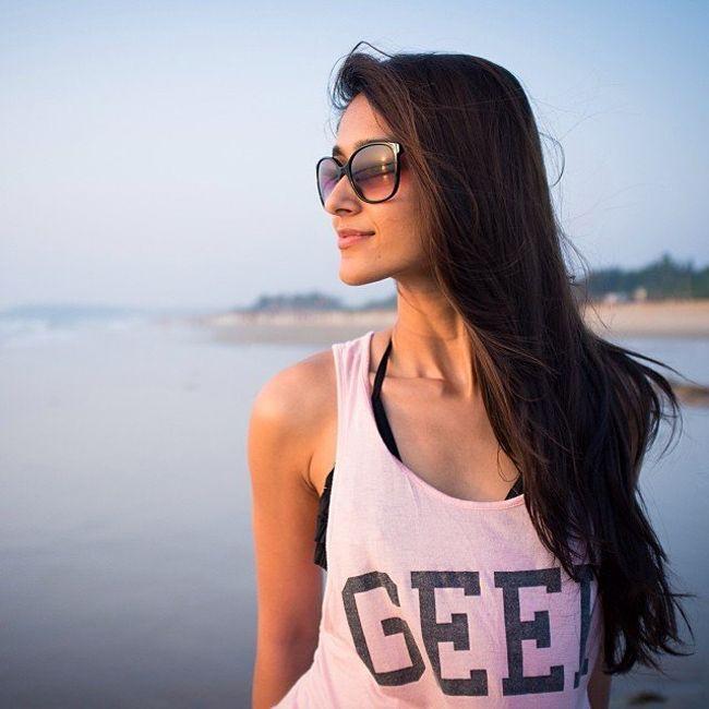 Ileana Elegant Clicks