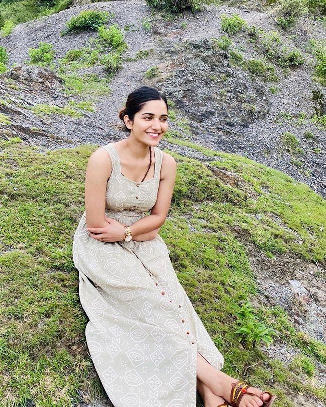 Ruhani Sharma Beauty Clicks