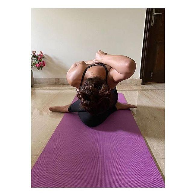 Esha Gupta Yoga Poses