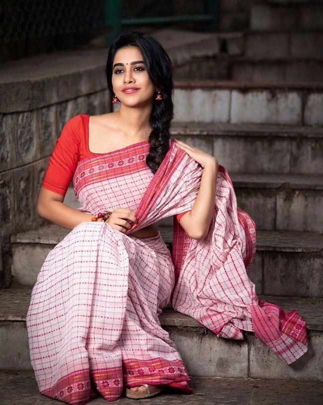 Nabha Natesh New Hd Pictures
