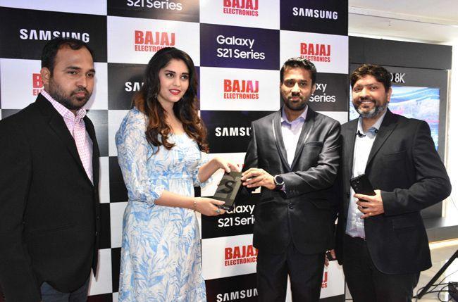 Surbhi Launches Samsung Galaxy S21