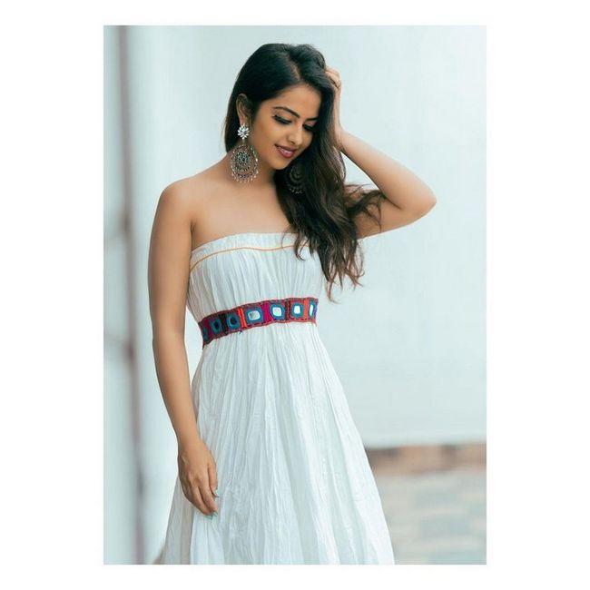 Avika Gor Gorgeous Looks