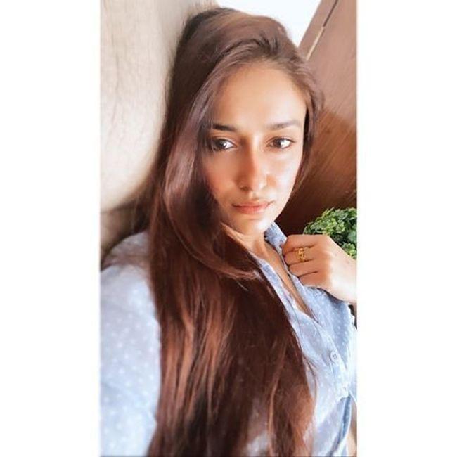 Ileana DCruz Trendy Looks