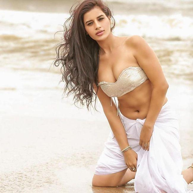 Mokshita Raghav Ravishing Clicks