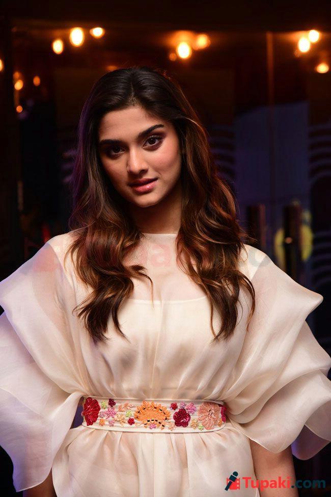 Saiee Manjrekar At Major Movie Teaser launch