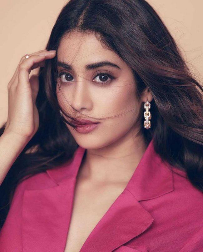 Janhvi Kapoor New Beautiful Images