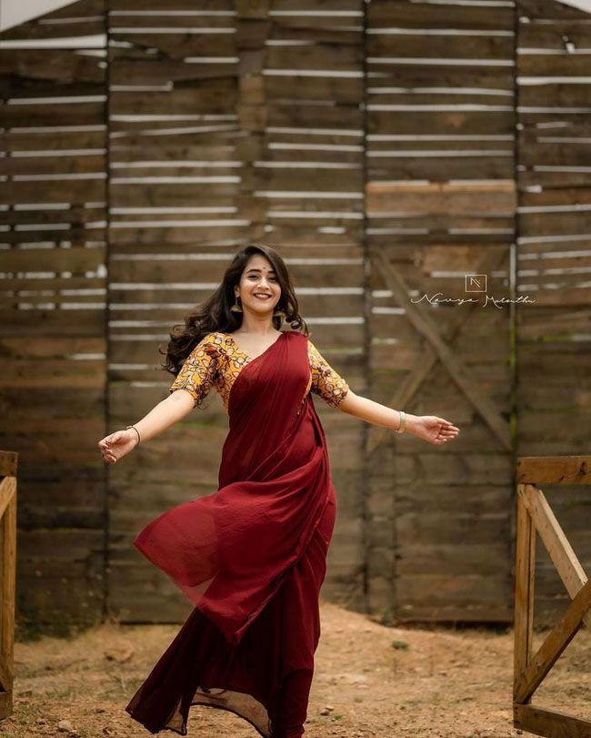 Deepthi Sunaina Photos Album