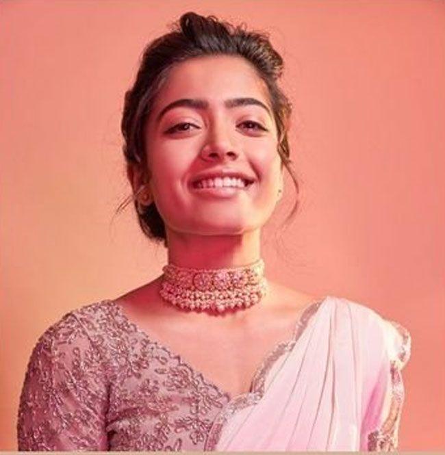 Rashmika Mandanna Looking pretty