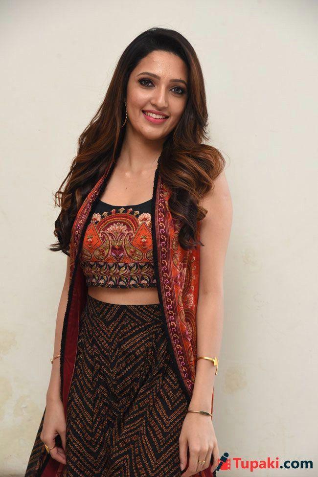 Neha Shetty Trendy Pics