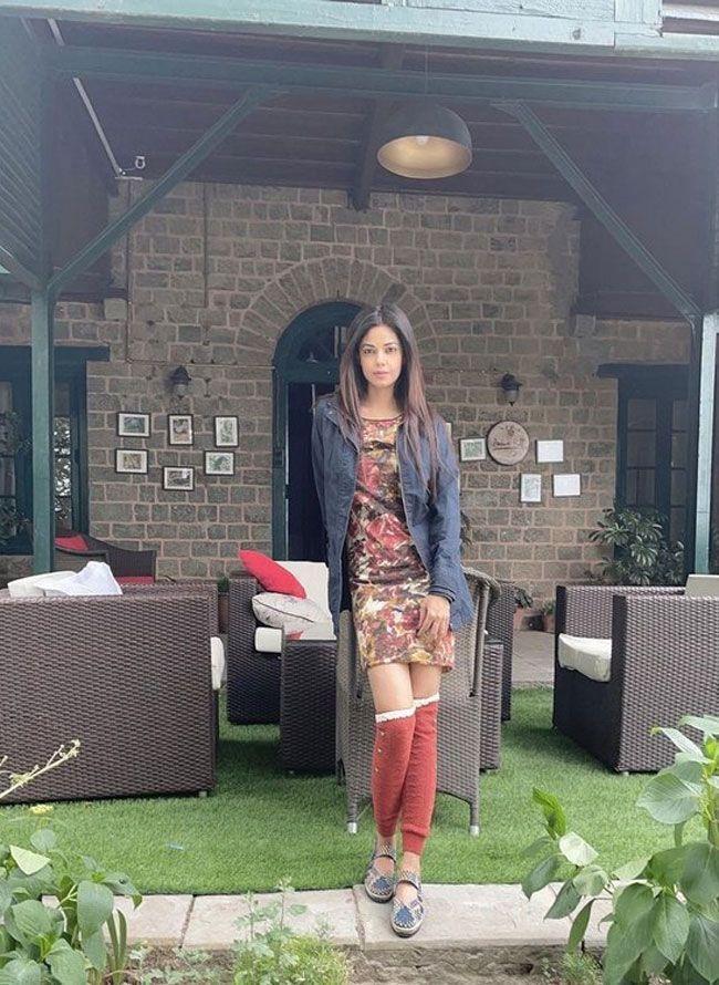 Meera Chopra Joyful Looks