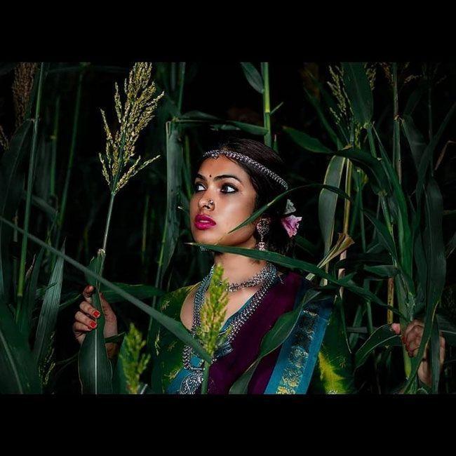 Divi Vadthya Looking Like Village Girl