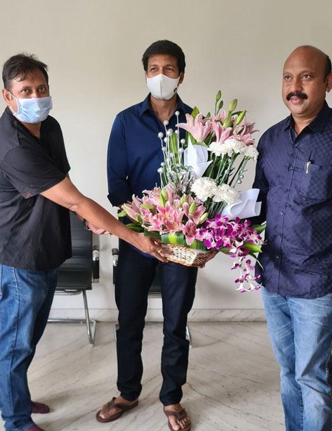 pakka comercial Team celebrates Gopichand birthday