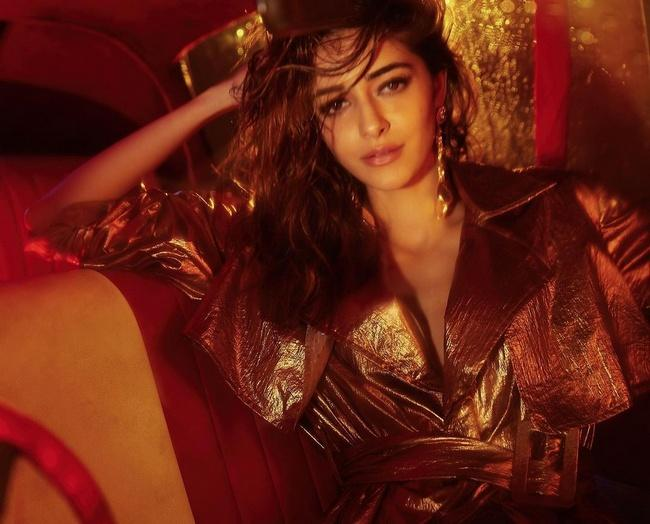 Ananya panday  poses In A Trendy Outfit