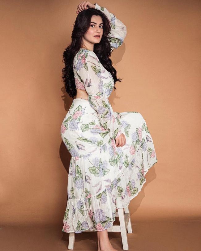 Actress Shivaleeka Oberoi Latest Insta Pics