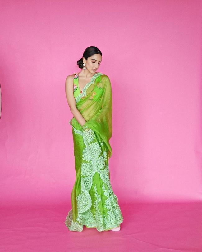 Kiara Advani Is Sizzling Clicks In Pretty Green Saree