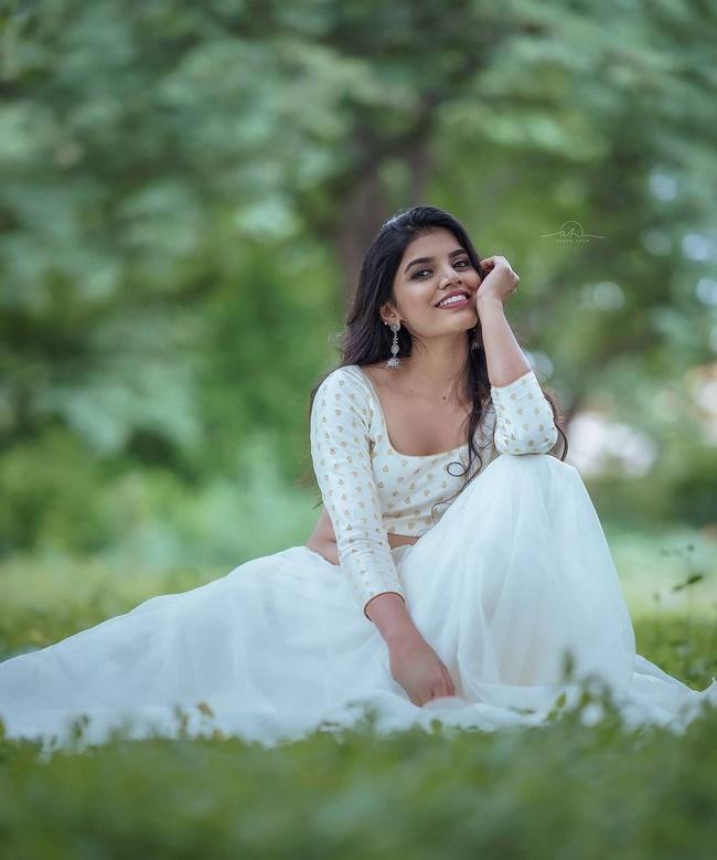 Gayathri Ramana is Pretty Looks in a White Dress