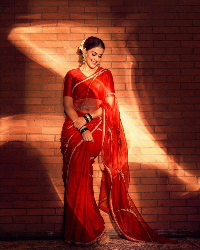 Genelia is Stunning Looks in a Red Saree
