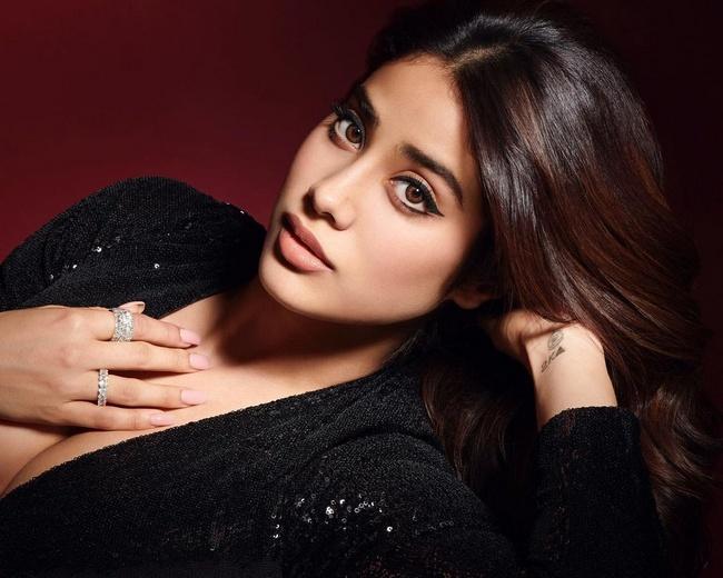 Janhvi Kapoor Mesmerises In Shiny Black Dress