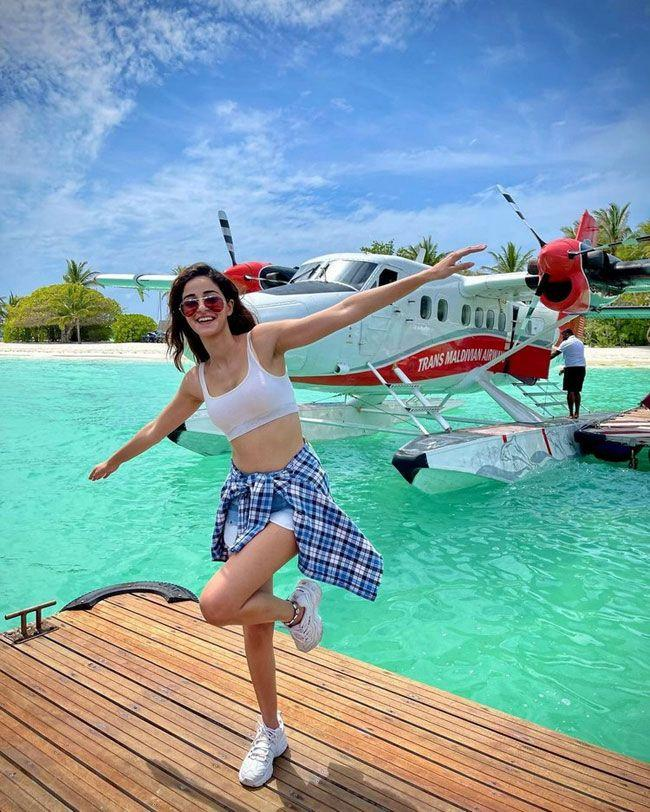 Ananya Panday Latest Insta Pictures