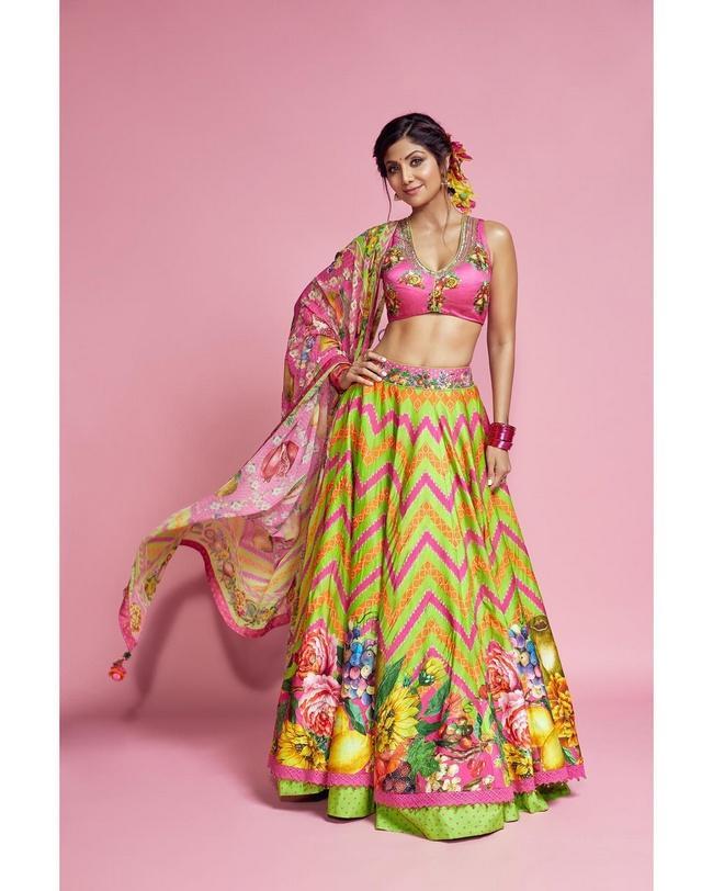 Shilpa Shetty Pretty Looks in her New Pics