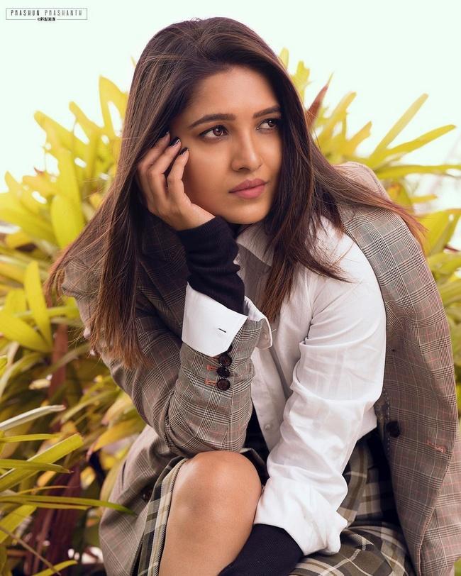 Vani Bhojan Adorable Photos