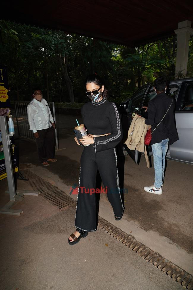 Nidhi Agarwal spotted in hyderabad