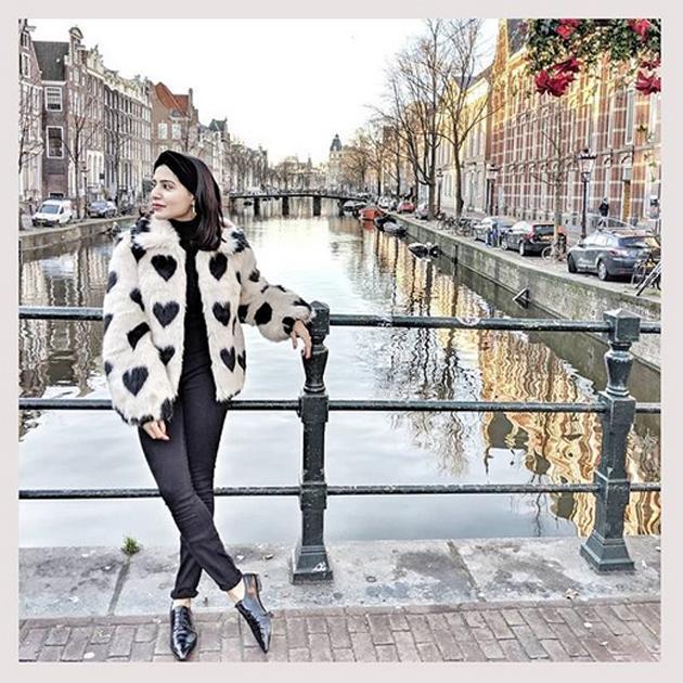 Naga Chaitanya And Samantha Chill At Netherlands Photos