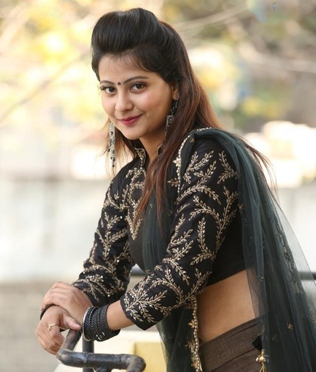 Shubhangi Pant Photos