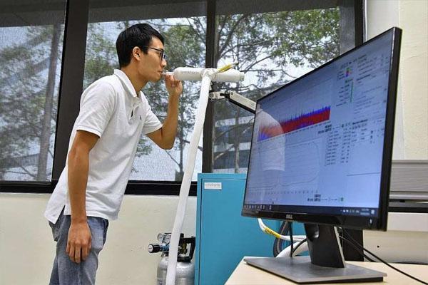 अब सांस के नमूने से 1 मिनट में कोरोना की सटीक जानकारी देगा 'ब्रीदोनिक्स', सार्वजनिक उपयोग को मिली मंजूरी