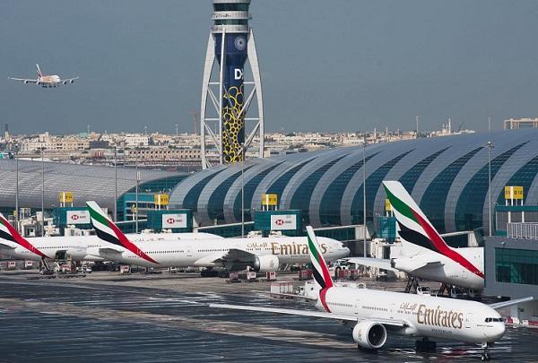 दुबई इंटरनेशनल एयरपोर्ट पर बड़ा हादसा, आपस में टकराए दो विमान
