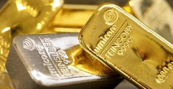 इंदौर में सोना, चांदी में घटबढ़