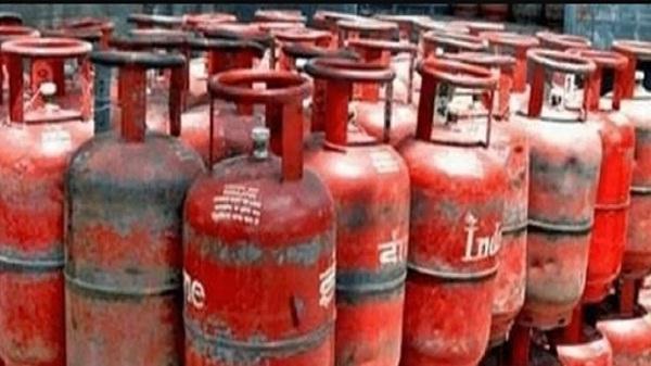 1000 रुपए का हो जाएगा गैस सिलिंडर! सरकार बंद करेगी LPG पर मिलने वाली सब्सिडी