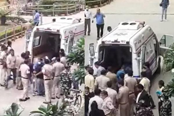 गैंगवॉर से दहली दिल्ली: रोहिणी कोर्ट परिसर में चली गोलियां, मोस्ट वॉन्टेड गैंगस्टर समेत 3 की मौत