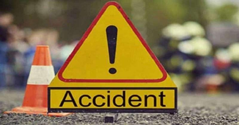 उत्तर प्रदेश में बस और टैम्पो की टक्कर में छात्र की मौत, छह लोग घायल