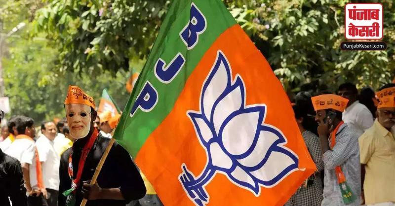 दो निर्दलीय विधायकों को दिल्ली लेकर पहुंची भाजपा सांसद, बन सकती है भाजपा की सरकार