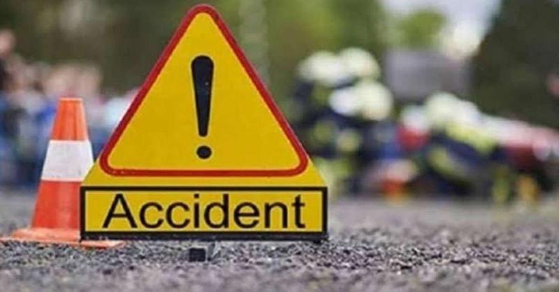 दिल्ली-आगरा राष्ट्रीय राजमार्ग पर हादसे में तीन लोगों की मौत, दो घायल