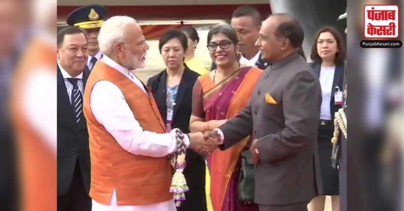 तीन दिन की यात्रा पर बैंकॉक पहुंचे PM मोदी, RCEP समझौते पर रहेगा जोर