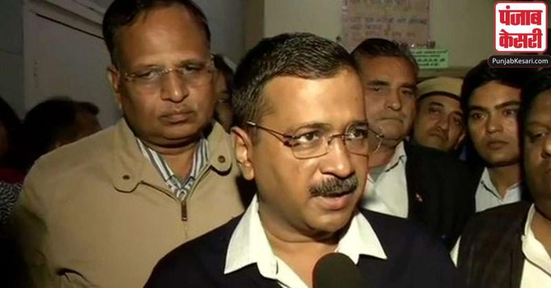 दिल्ली आग : CM केजरीवाल ने मृतकों के परिवारों के लिए 10 लाख रुपये मुआवजे का किया ऐलान