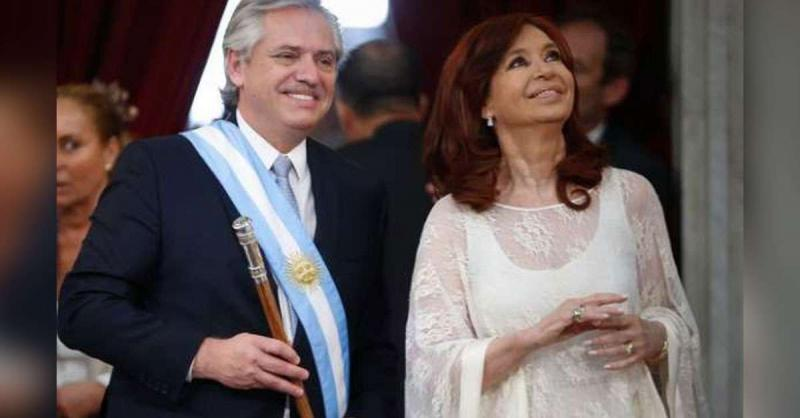 अल्बटरे फर्नांडीज ने अर्जेंटीना के नए राष्ट्रपति के रूप में शपथ ली