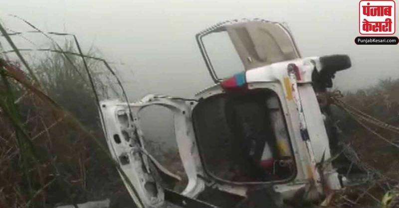 ग्रेटर नोएडा में घने कोहरे से कार फिसलकर नहर में गिरी, 6 लोगों की मौत
